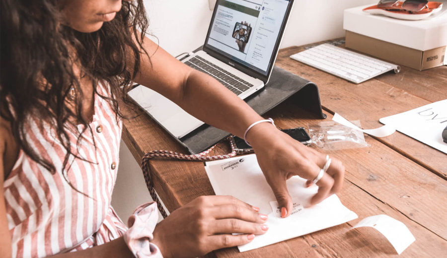 Afbeelding voor Zo print je verzendlabels met een eigen of labelprinter.