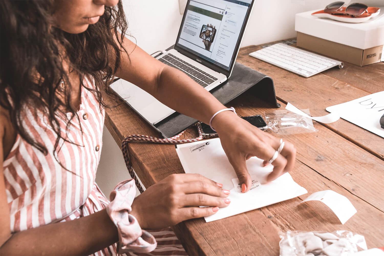 Thumbnail for Zo print je verzendlabels met een eigen of labelprinter.