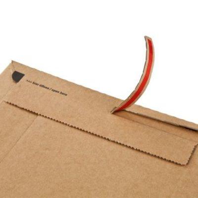 Afbeelding voor Cardboard envelope with adhesive tear-off strip (18,5 x 27 cm)